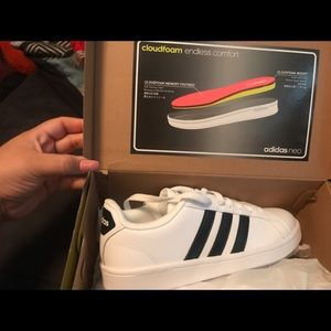 White and black stripe adidas, with cloud foam
